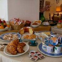 Foto scattata a Hotel Ape Regina - Ischia da Hotel Ischia Ape Regina il 9/26/2012