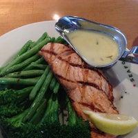 Foto tirada no(a) Molly Cool's Seafood Tavern por Tim C. em 3/12/2013