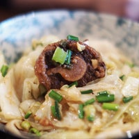 2/10/2013 tarihinde Chun Yip S.ziyaretçi tarafından Xi'an Famous Foods'de çekilen fotoğraf