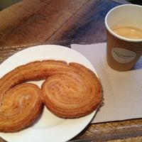 Photo prise au The Smiths Bakery par Damla S. le2/10/2013