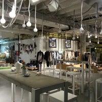 Foto diambil di Supermarket Concept Store oleh Jelena N. pada 12/15/2012