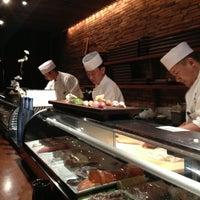 Photo prise au Blue Ribbon Sushi Izakaya par Monica A. le3/7/2013