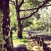 Das Foto wurde bei Riverside Park von Armando C. am 5/26/2012 aufgenommen