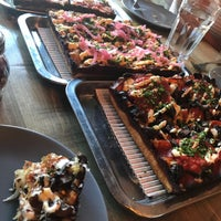 Foto tirada no(a) Descendant Detroit Style Pizza por Dounia em 8/12/2018