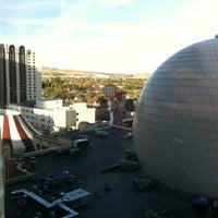 Снимок сделан в Silver Legacy Resort Casino пользователем Cynthia 10/27/2012