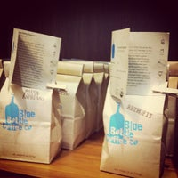 Foto scattata a Blue Bottle Coffee da Timmy C. il 10/8/2012