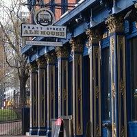 Das Foto wurde bei Pratt Street Ale House von Diana P. am 12/28/2012 aufgenommen