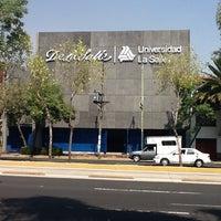 รูปภาพถ่ายที่ Universidad La Salle โดย Manuel D. เมื่อ 3/23/2013