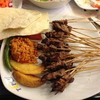 รูปภาพถ่ายที่ Topçu Restaurant โดย Fatih K. เมื่อ 3/4/2013