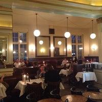 Das Foto wurde bei Café Einstein Stammhaus von Valentini K am 4/24/2013 aufgenommen