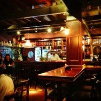 Снимок сделан в Gallaghers Irish Pub пользователем Leonardo A. 12/29/2012