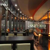 Das Foto wurde bei PLAZA café bistro bar von PLAZA café bistro bar am 6/15/2013 aufgenommen