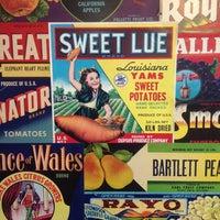 Foto tirada no(a) Cushman Market & Cafe por J.S. T. em 12/31/2012