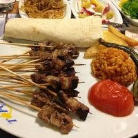 รูปภาพถ่ายที่ Topçu Restaurant โดย Özlem A. เมื่อ 2/6/2013