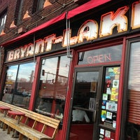 1/19/2013에 Krista B.님이 Bryant-Lake Bowl & Theater에서 찍은 사진