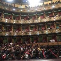 Foto tirada no(a) Teatro Colón por Karen G. em 5/4/2018