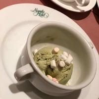 6/18/2018 tarihinde Hel L.ziyaretçi tarafından Cafe Ilang-Ilang'de çekilen fotoğraf