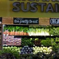 รูปภาพถ่ายที่ Coffee Bar @ Whole Foods Market โดย Alachia Q. เมื่อ 6/22/2013