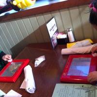 12/8/2012 tarihinde Erika E.ziyaretçi tarafından Blue Ridge Grill'de çekilen fotoğraf