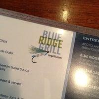 1/3/2013 tarihinde Erika E.ziyaretçi tarafından Blue Ridge Grill'de çekilen fotoğraf