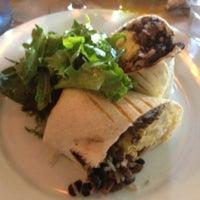 Das Foto wurde bei OAK Restaurant & Wine Bar von Renato S. am 10/13/2012 aufgenommen