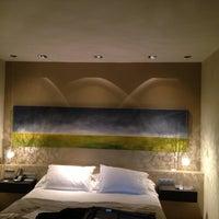 Foto diambil di Hotel Neri oleh Irene L. pada 1/7/2013