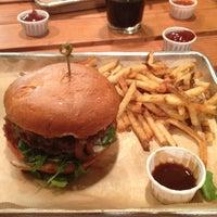 10/31/2012にDavid K.がHopdoddy Burger Barで撮った写真