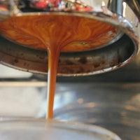 Foto scattata a The Lab by Alchemy Coffee da The Lab by Alchemy Coffee il 9/16/2014