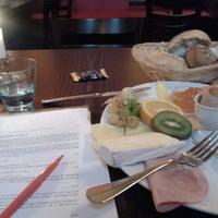 Das Foto wurde bei Restaurant Cafe Bleibtreu von Irena S. am 5/26/2013 aufgenommen