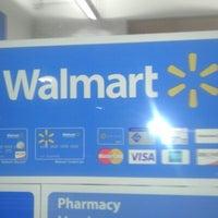 Das Foto wurde bei Walmart Supercenter von Tae-Tae S. am 10/15/2012 aufgenommen