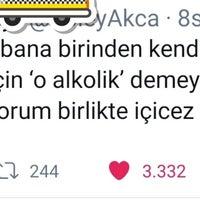 Foto tirada no(a) Ayık 24 Kadıköy por Ebru . em 11/15/2019