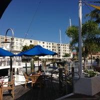 11/25/2012にFrankie G.がBimini Boatyard Bar & Grillで撮った写真