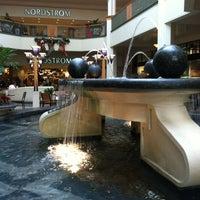 Foto tirada no(a) Perimeter Mall por Marliane R. em 12/23/2012