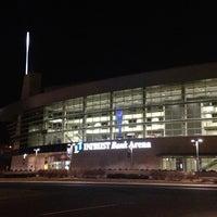1/15/2013 tarihinde Adam G.ziyaretçi tarafından INTRUST Bank Arena'de çekilen fotoğraf