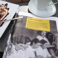 Foto diambil di Caffe Sydney oleh Acem Y. pada 3/6/2017