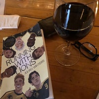 รูปภาพถ่ายที่ Pinkerton Wine Bar โดย Kenny T. เมื่อ 2/23/2019
