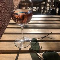 รูปภาพถ่ายที่ Pinkerton Wine Bar โดย Kenny T. เมื่อ 9/21/2019