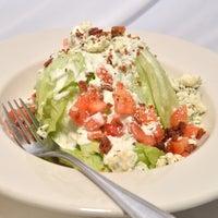 Das Foto wurde bei Eats American Grill von Eats American Grill am 11/20/2013 aufgenommen