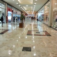 Foto tirada no(a) Grand Plaza Shopping por Caio M. em 10/11/2012