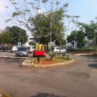 Foto tirada no(a) McDonald's por Leandro S. em 10/29/2012