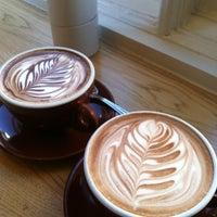 Снимок сделан в Blue Bottle Coffee пользователем Gabrielle E. 2/9/2013