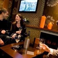 Das Foto wurde bei The Edge Social Grille & Lounge von The Edge Social Grille & Lounge am 11/26/2013 aufgenommen