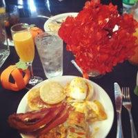11/18/2012에 Trinh L.님이 The Chelsea Grill에서 찍은 사진