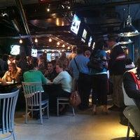 Снимок сделан в Warehouse Bar & Grill пользователем EJL 9/20/2013