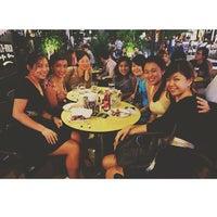 Foto scattata a Wala Wala Cafe Bar da Michelle T. il 7/16/2013