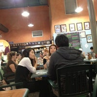 Foto tomada en Da Kitchen Cafe por Ulalia W. el 12/8/2012