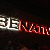 Foto tomada en Native Social Bar por Chris K. el 2/3/2013