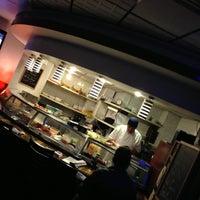1/30/2013 tarihinde Charlie R.ziyaretçi tarafından Planet Sushi'de çekilen fotoğraf