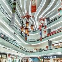 Photo prise au Lippo Mall Puri par Ryano W. le2/19/2018