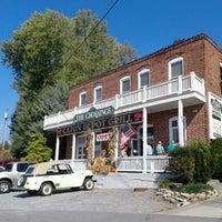 รูปภาพถ่ายที่ Cajun Depot Grill โดย Josh B. เมื่อ 10/13/2012